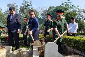Thừa Thiên - Huế: Đưa hài cốt 11 liệt sĩ quân tình nguyện từ Lào về đất mẹ