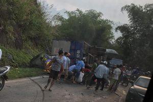 Ô tô mất phanh đâm liên hoàn ở dốc Cun, 3 người thương vong
