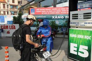 Phát hiện 47 cơ sở kinh doanh xăng dầu vi phạm về chất lượng