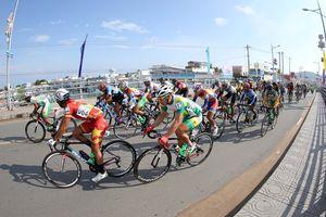 Tay đua Philippines vượt lên chiếm áo vàng của Phan Hoàng Thái