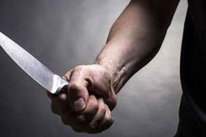 Vợ hứng trọn cơn mưa dao của chồng sau trận cãi vã nảy lửa