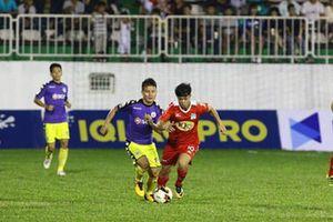 Hà Nội nhận 2 thẻ đỏ vì chửi trọng tài