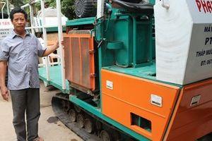 Ứng dụng máy cuốn rơm vào sản xuất nông nghiệp, thu trên dưới 20 triệu đồng mỗi ngày