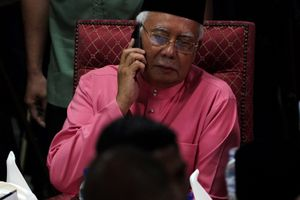Cảnh sát Malaysia bác tin lục soát nhà của vợ cựu thủ tướng