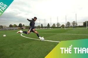 2 siêu sao bóng đá 'phủi' thách thức tài năng thủ môn Premier League