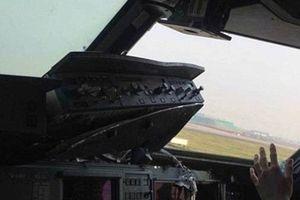 Máy bay chở 119 hành khách phải hạ cánh khẩn cấp vì...vỡ cửa sổ