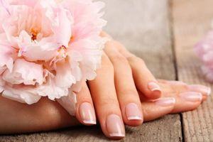 12 bí mật của cô nàng sở hữu móng tay khỏe đẹp