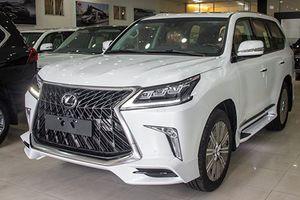 Cận cảnh Lexus LX570 Super Sport gần 10 tỷ đồng tại Việt Nam
