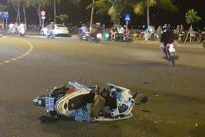 Hai xe máy đối đầu trong đêm khuya, 3 người nhập viện
