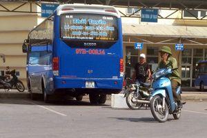 Bắt chẹt khách thu phí bốc hàng hóa ở bến xe Yên Nghĩa