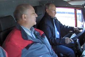 Tổng thống Putin lái xe khánh thành cầu nối Nga và Crimea