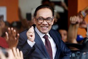 Cựu Phó Thủ tướng Malaysia Anwar Ibrahim được trả tự do