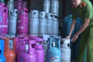 Đột kích cơ sở sang chiết gas trái phép ở Thái Bình