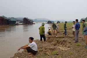 Tuyên Quang: Lạ chuyện người dân quanh sông Lô bỏ việc đi giữ đất