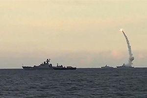 Trên 100 quả Kalibr sẵn sàng khai hỏa ngoài khơi Syria