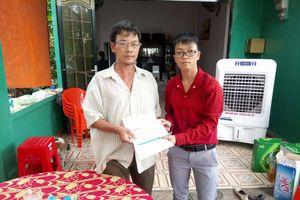 Báo điện tử VTC News trao 50 triệu đồng cho gia đình 5 hiệp sĩ bị cướp tấn công