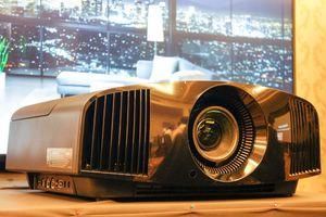 Sony trình làng dòng máy chiếu 4K HDR tại gia
