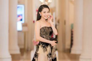 Cùng ngắm các mẫu váy 'Những ngôi sao Cannes'