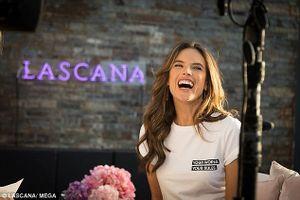 'Cựu thiên thần' Alessandra Ambrosio tái xuất với loạt ảnh bikini