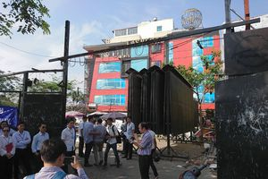 UBND quận Cầu Giấy cưỡng chế vi phạm xây dựng tại dự án chậm tiến độ trên phố Nguyễn Khánh Toàn