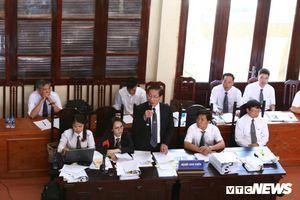 Xét xử bác sĩ Hoàng Công Lương: Biên bản lời khai 'sinh đôi' chứng minh điều gì?
