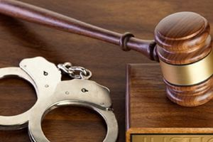 Khởi tố nữ thẩm phán nhận 300 triệu đồng để cho ra án treo