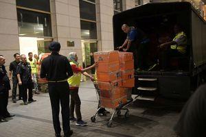 Khám xét nhà cựu Thủ tướng Malaysia, phát hiện hàng chục túi tiền