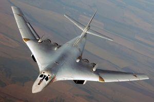 Máy bay ném bom Tu-160 sẽ tuần tra thường xuyên trên toàn cầu