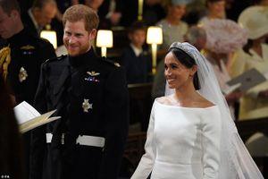 Hoàng tử Harry đọc lời thề, chính thức nên duyên vợ chồng với Meghan Markle