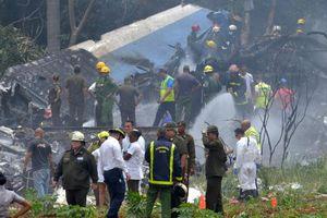 Máy bay Cuba rơi nát vụn khi vừa cất cánh, trên 100 người thiệt mạng