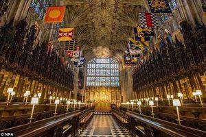 Bên trong nhà nguyện St.George nơi Hoàng tử Harry và hôn thê Meghan trao lời thề ước