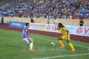 V.League 2018: Nam Định thất bại trước đội đầu bảng Hà Nội