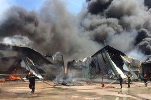 Hơn 400 người chữa cháy tại xưởng nạp gas công nghiệp