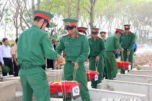 Tổ chức lễ truy điệu, an táng hài cốt liệt sỹ hy sinh tại Campuchia