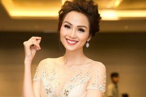 Hoa hậu Diễm Hương đẹp ngời ngời đi sự kiện