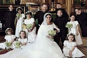 Hoàng gia Anh công bố ảnh cưới chính thức của vợ chồng Hoàng tử Harry
