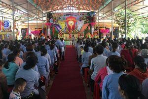 Hàng trăm phật tử huyện Hương Sơn đón đại lễ Phật Đản 2018