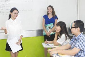 Phụ huynh Hà Nội 'mỏi mắt' tìm thông tin đào tạo song bằng THCS