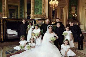 Vợ chồng Hoàng tử Harry công bố ảnh cưới đẹp lung linh