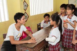 Các người đẹp trong 'gia đình' Hoàn vũ Việt Nam 2017 luôn hướng đến học sinh tiểu học