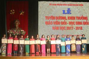 Hà Nội: Tuyên dương giáo viên, học sinh giỏi năm học 2017 - 2018