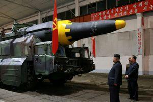 Phóng viên giám sát phá khu thử hạt nhân ở Triều Tiên