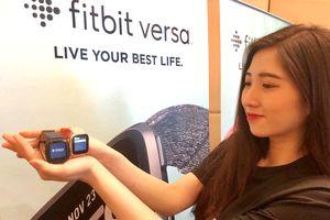 Fitbit Versa, đồng hồ thông minh có mặt kim loại nhẹ nhất
