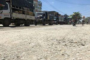Sự việc cần chấn chỉnh ngay ở Quảng Ngãi: Chặn xe 'vua' chở cát gây bụi, người dân bị 'xã hội đen' đe dọa