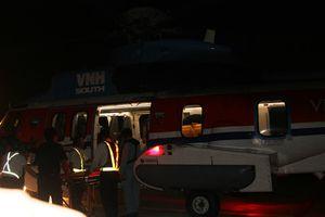 Trực thăng bay đêm đưa bệnh nhân từ Trường Sa về đất liền cấp cứu
