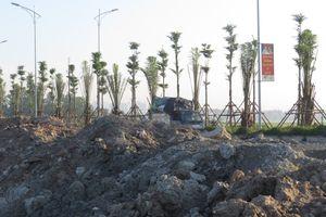Đổ trộm phế thải xây dựng ven đường trục phía nam
