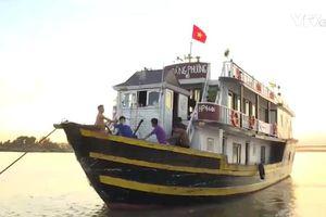 Liên quan đến 'chuyến đi kinh dị' của du khách Úc tới vịnh Hạ Long: Hà Nội yêu cầu xử lý nghiêm vi phạm của Spring Travel Agency