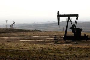 Syria cáo buộc Mỹ cố tình ném bom các mỏ dầu của Damascus