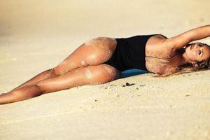 Thân hình đẹp từng centimet của Candice Swanepoel