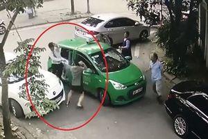 Xem xét khởi tố vụ lái xe taxi Mai Linh bị đánh chảy máu đầu ở Cầu Diễn
